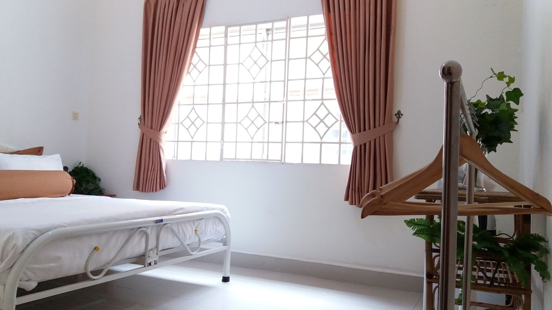 phnom penh home stay hotel bed and breakfast